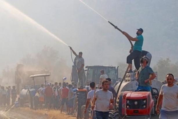 Foto - Adana'nın Karaisalı ve Çukurova ilçeleri sınırında bir tarlada çıkan anız yangını ormana sıçradı, söndürme çalışmaları sürüyor. Isparta'nın Sütçüler ilçesine bağlı Yazılı Kanyon Milli Parkı'nda yangın çıktı. Denizli'nin Buldan ilçesinde de yangın çıktı.