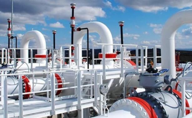 Foto - 4)Bulunan rezerv Türkiye'nin kaç yıllık ihtiyacını karşılayacak? Türkiye yıllık ortalama 45 milyar metreküp doğalgaz kullanıyor. Ancak alınan bilgiye göre, Karadeniz'den her yıl 45 milyar metreküp doğalgaz çekilmesi imkansız. Buradaki gazın özellikle tüketimin yoğun olduğu dönemerde Türkiye için kritik bir rol oynayacağı belirtilirken, uzmanlar bu gazın uzun yıllar boyunca yıllık yüzde oranında ihtiyaç karşılayacağını söylüyor.