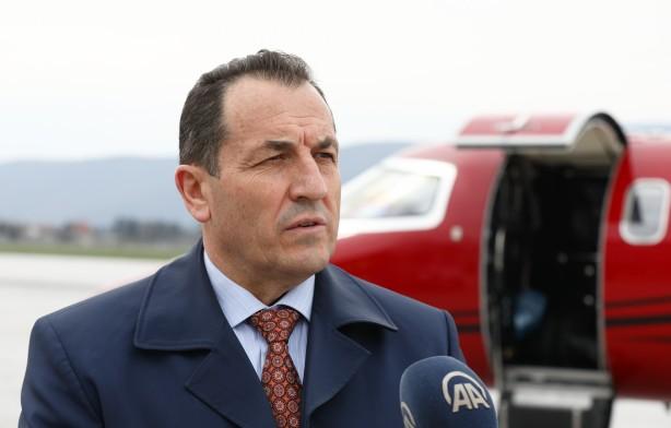 Foto - Bosna Hersek Güvenlik Bakanı Selmo Cikotic, havalimanında yaptığı açıklamada, Türk halkına ve İçişleri Bakanı Süleyman Soylu'ya teşekkür ederek söz konusu aşıların güvenlik kurumlarında görev yapanların aşılanması için kullanılacağını söyledi.