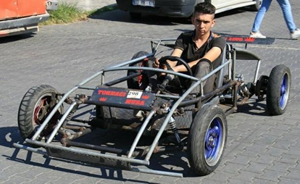 Foto - Çocukluk hayali arabayı gerçeğe dönüştürmek için 3 yıl önce karar aldığını ifade eden Musa Topak,