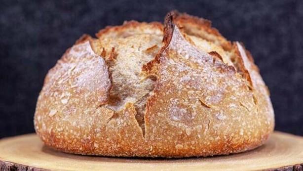 Foto - EKMEK Avrupa ve Avustralya'da azodikarbonamid (ADA, E927) koruyucu madde içeren ekmek yasaklanmıştır. Unu beyazlatmak için kullanılan bu katkı maddesi uzun süre taze kalmasına yardımcı olur.