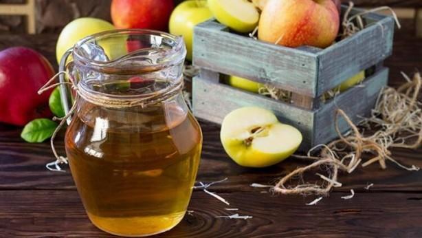 Foto - ELMA- Elmalar uluslararası seyahatlerde daha uzun süre taze kalması için DPA difenilamin kullanılır. DPA kansere neden olduğu gerekçesi işe Avrupa'da bu madde ile elma satışı yasaklanmıştır.
