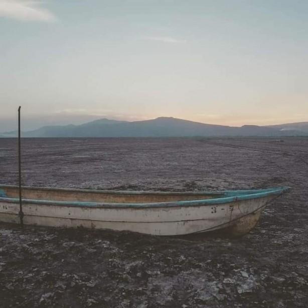 Ülkenin en büyük ikinci gölü tamamen kurudu!