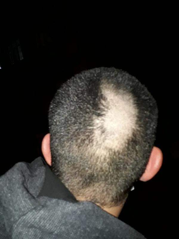Foto - Özellikle berberlerin kapatılmasının ardından erkekler saç-sakal tıraşlarını evde yapmaya başladı.