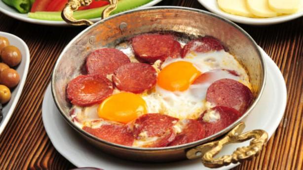 Foto - TÜİK'in fiyatı en çok artanlar listesinde yer alan yumurtada artış yüzde 14.96 olarak açıklandı.