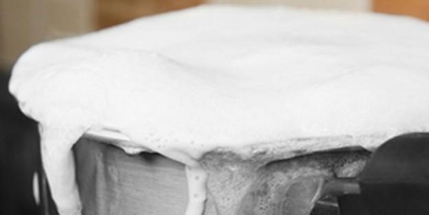 Isıtılan süt neden taşar