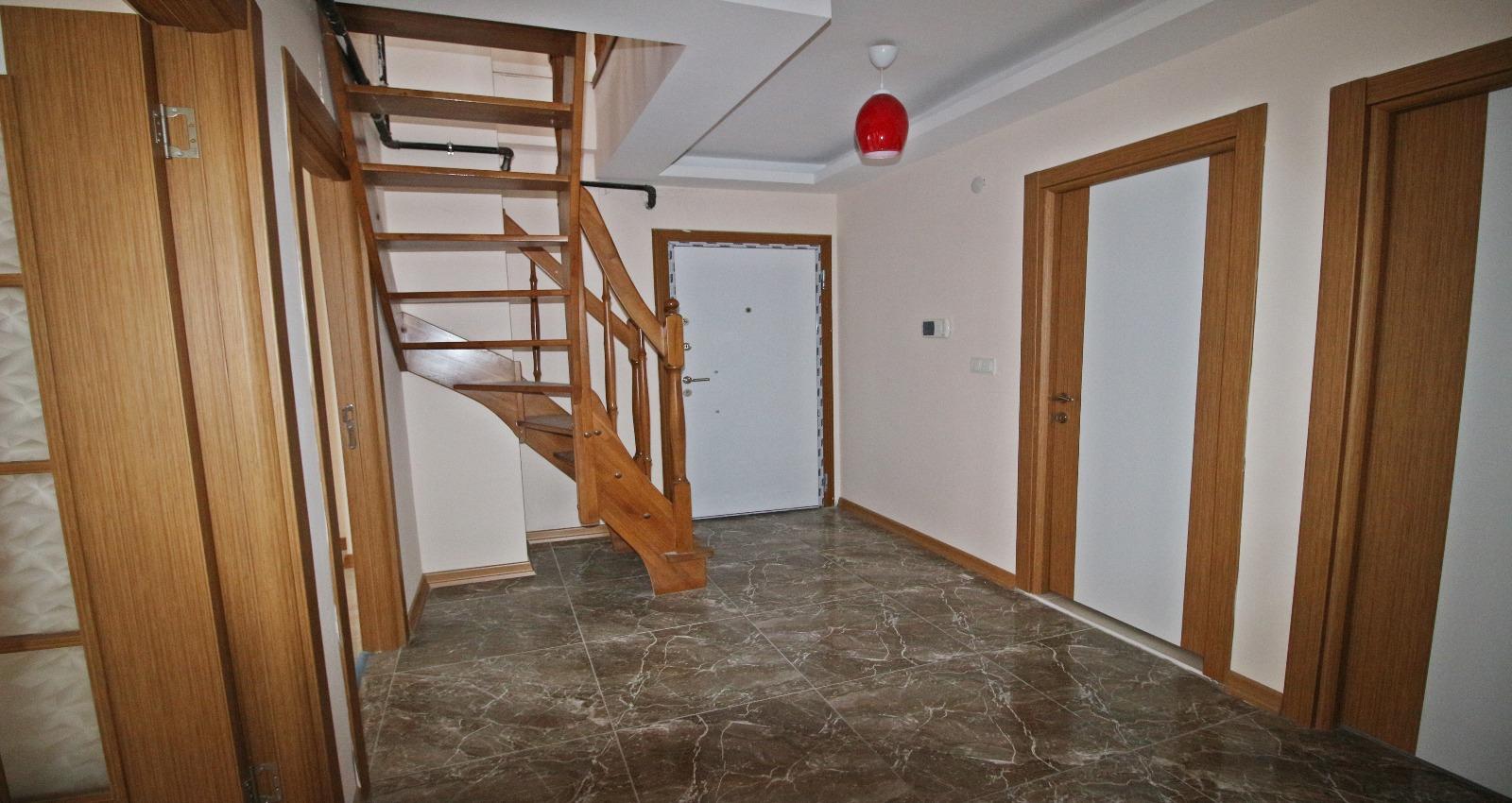Satılık 280 m² dubleks daire
