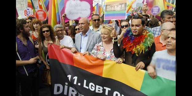 LGBTİ'li azgınlara destek rekoru CHP'li Tanal'ın