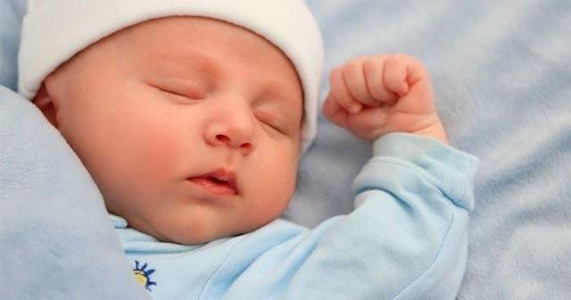 yeni doğan bebeklerde cilt bakımı nasıl olmalı