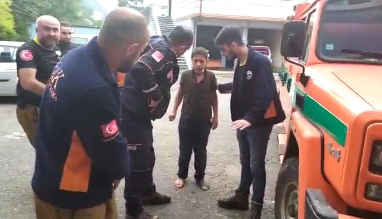 1593924352 829107 Rize'de kaybolan 11 yaşındaki İmam Can Kaya'dan sevindiren haber 1