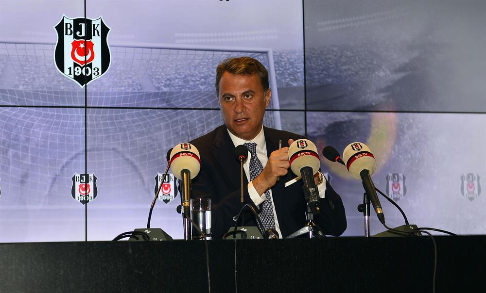Beşiktaş Başkanı Fikret Orman, Gökhan Gönül'ün imza töreninde Atiba ile yeni sözleşme yapacaklarına dair müjdeyi vermişti.