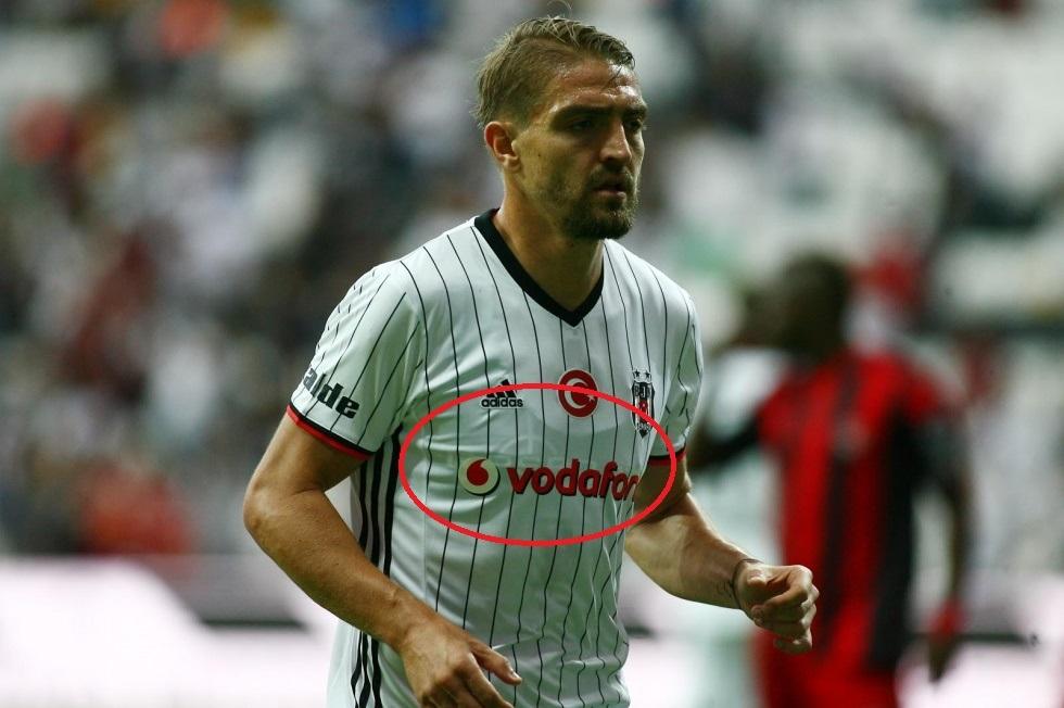 Beşiktaşlı futbolcular, Gaziantepspor maçına GPS teknolojili yeleklerle çıktı.