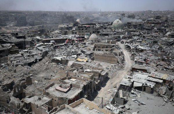 ABD ve PKK'nın ortak saldırıları sonucu Rakka şehri...