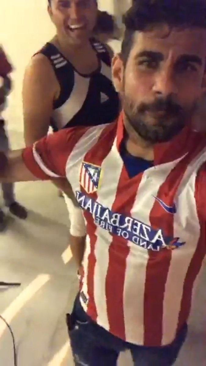 Diego Costa, Instagram'da açtığı canlı yayında Atletico Madrid forması giydi.
