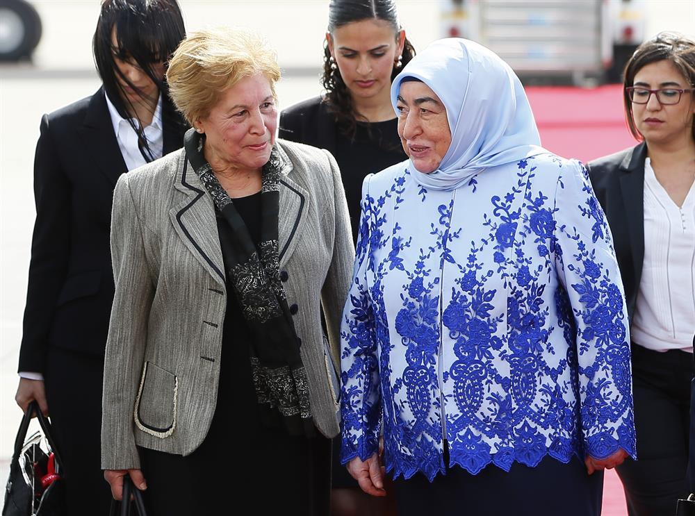 Başbakan Yıldırım'ın eşi Semiha Yıldırım ve KKTC Başbakanı Özgürgün'ün annesi Tangör Özgürgün.