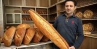 20 yıldır 1 metrelik ekmek üretiyor