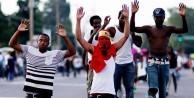 Siyahi genci öldüren polise şok uygulama!