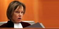 Adalet Divanı'ndan hastalıklı başörtüsü kararı