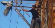 Adana'da canını hiçe sayıp elektrik direğine takılan güvercini kurtardı