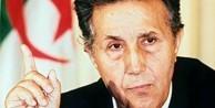 Ahmet Bin Bella kimdir?