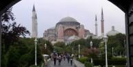 Ayasofya'da ezan okunması Yunanistan'ı kızdırdı