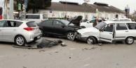 Bakan'ın konvoyunda kaza!