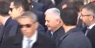 Başbakan Ömer Halisdemir'in kabrini ziyaret etti