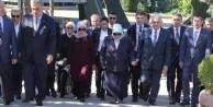 Başbakan Yıldırım, Davutoğlu'nun yaptığını yaptı