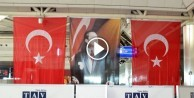 Bombanın patladığı noktaya Türk bayrakları asıldı