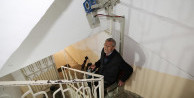 Bu da engelli ve yaşlılar için merdiven asansörü