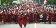 Budist çeteler camileri hedef alıyor