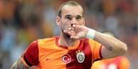 Burak'tan sonra Sneijder de...