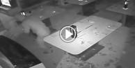 Camları kırarak iş yerlerini soyan hırsızlar kamerada
