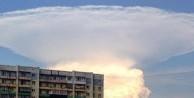 Dev bulut paniğe neden oldu
