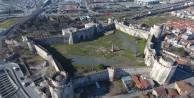 Dikkat! İstanbul'un tarihi surları can çekişiyor