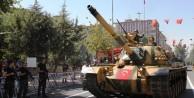 Diyarbarkır'da 3 yıl sonra tanklı füzeli tören