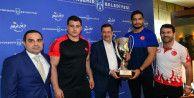 Gökçek, Avrupa Şampiyonu Akgül ve Kayaalp'i kabul etti