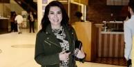 """Ebru Yaşar """"bayrak"""" paylaşımıyla rezil oldu"""