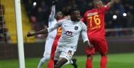 Emmanuel Adebayor'dan flaş açıklama: O takımdan nefret ediyorum