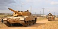 En net fotoğraf! Artık an meselesi… Türk tankları giriyor!