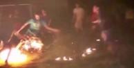 Ateş topu ile futbol oynuyorlar!