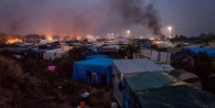 Fransa göçmen kampında yangın çıktı!