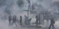 Fransa'da 300 bin kişi yürüdü: 77 gözaltı
