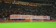 Galatasaray-Dersimspor maçında dostluk rüzgarları esti