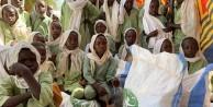 Gamze Özçelik 16 Müslüman ülkede miniklerin yüzünü güldürdü