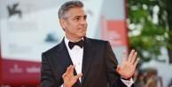 George Clooney, o film için özür diledi