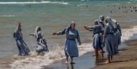 Haşemalılara yasak rahibelere serbest!
