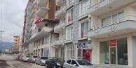 Hatay'da ev ve iş yerleri Türk bayraklarıyla süslendi