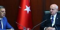 'Hiçbir devlet ordusuz olmaz ama ordunun yeri kışlasıdır'
