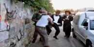 İşgalci yahudiler otomobille Müslümanları ezdi